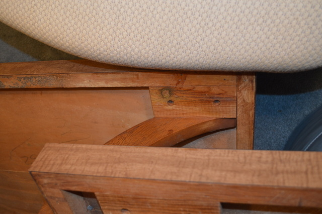 Coffee table - arched support between levels.JPG