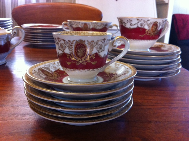 Meito tea cups and saucers.jpg