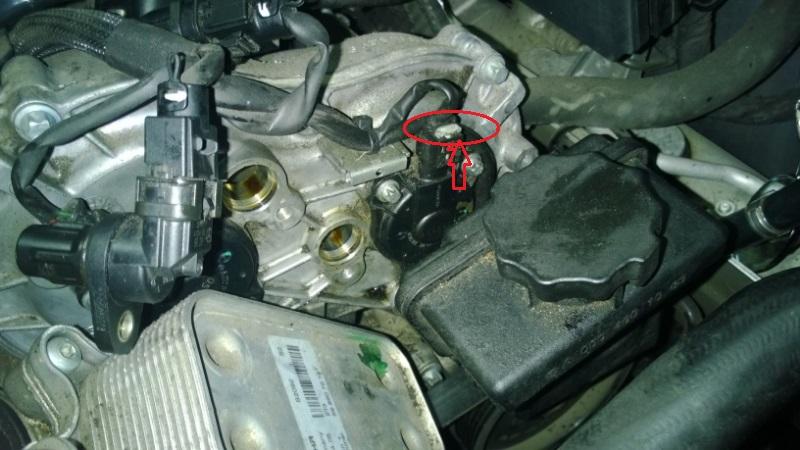 ab23a57b-d4d2-4c6f-9c99-b011499be7b6_cam solenoid connector removal.jpg