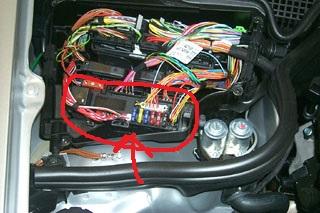 c8fe6fa0-7aa7-4bc1-86cf-fd26ce36192d_210_k40_4 passenger side fuse.jpg
