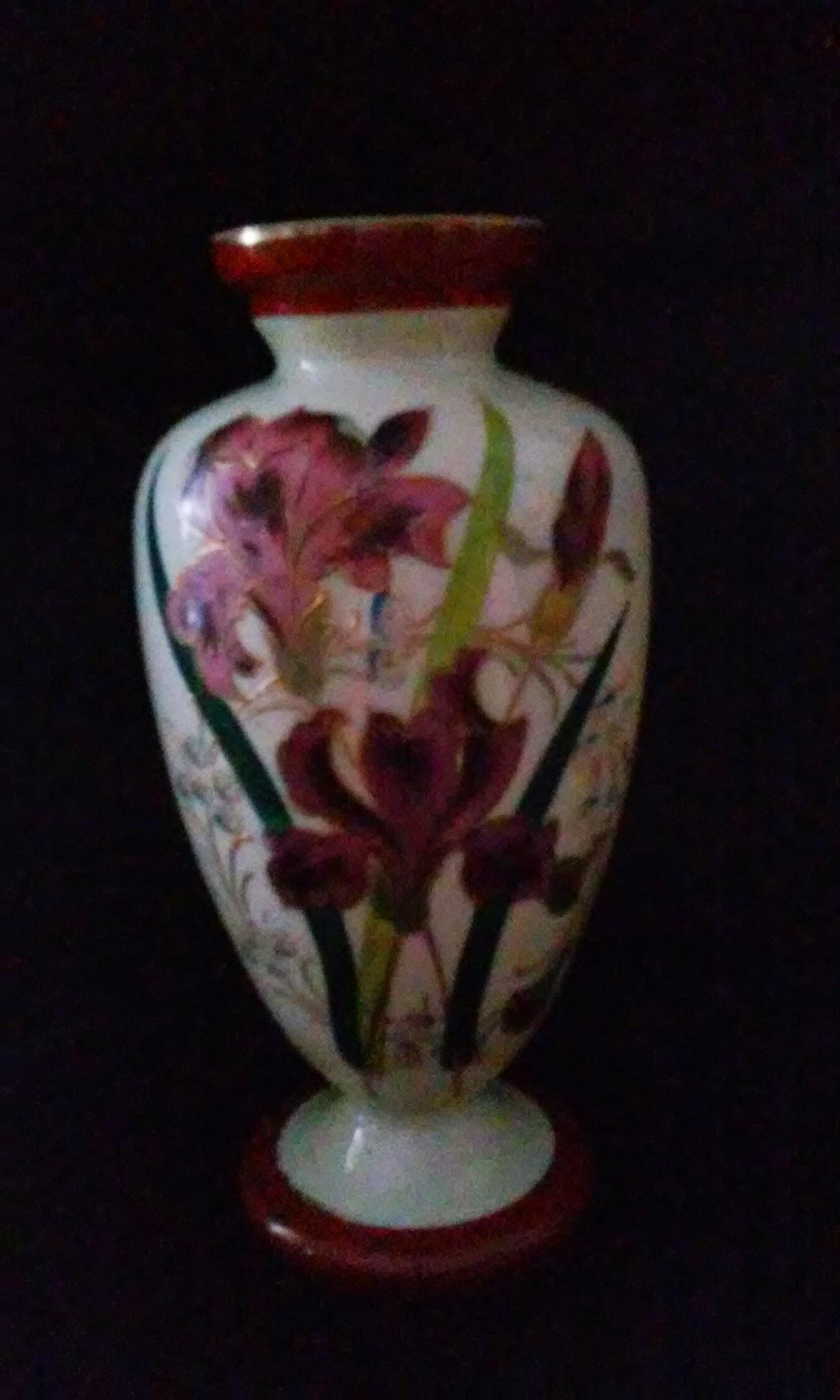 burgandy vase.jpg