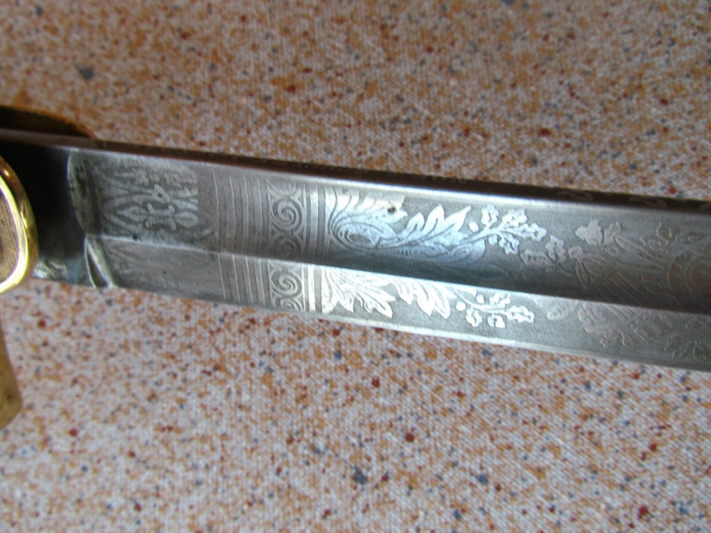 Blade etching detail (1024x768).jpg