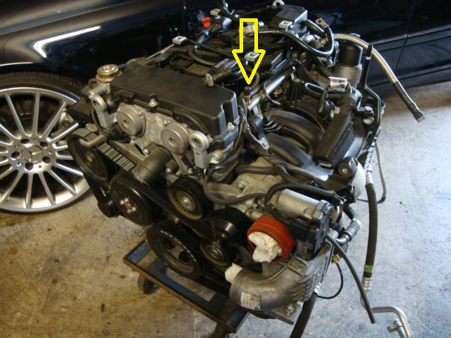 ee424cce-f415-4d78-ad0a-09c2372cabc0_271 fuel pressure test port location.JPG