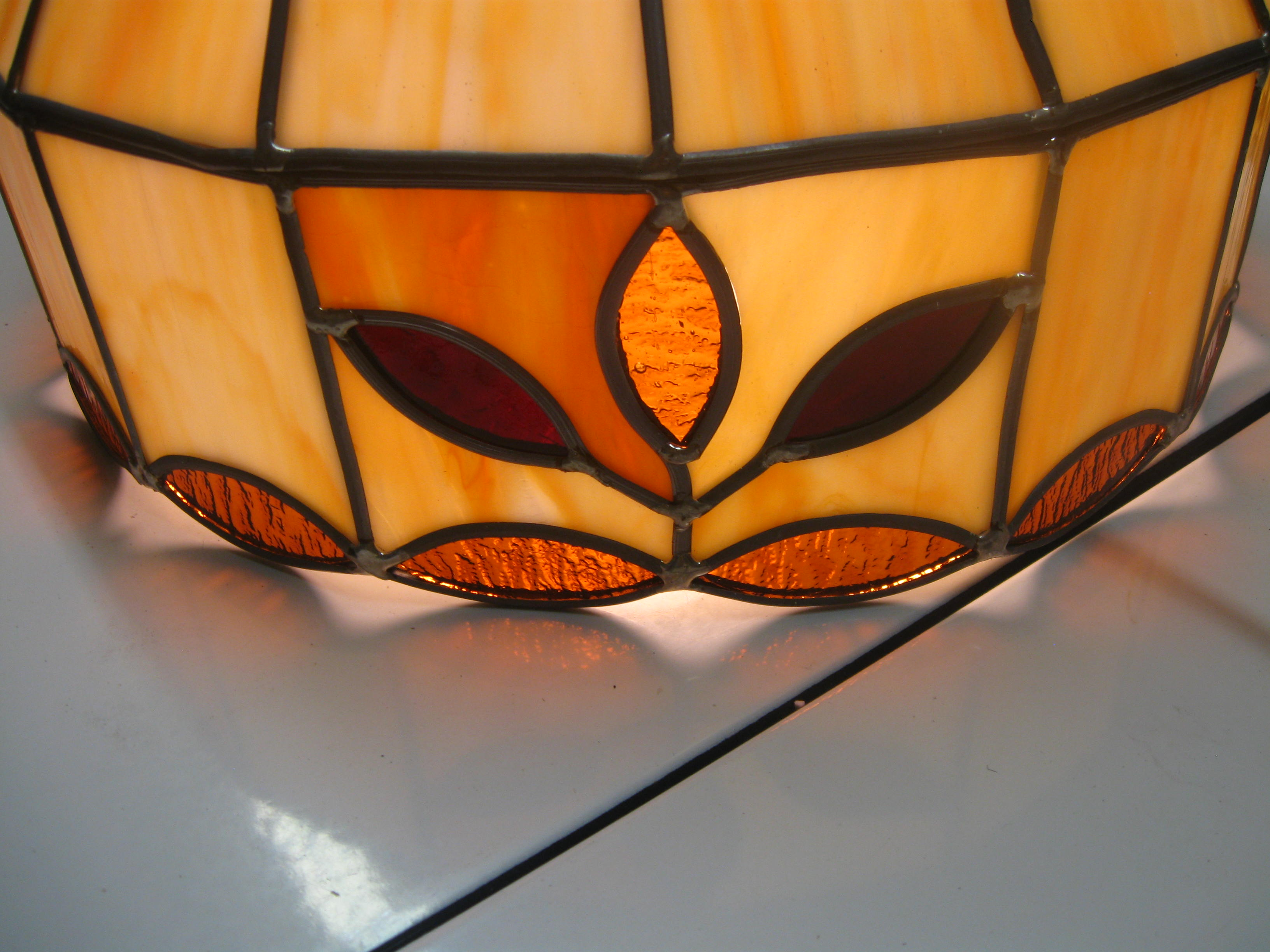 Tiffany style, man made material, lamp 004.JPG