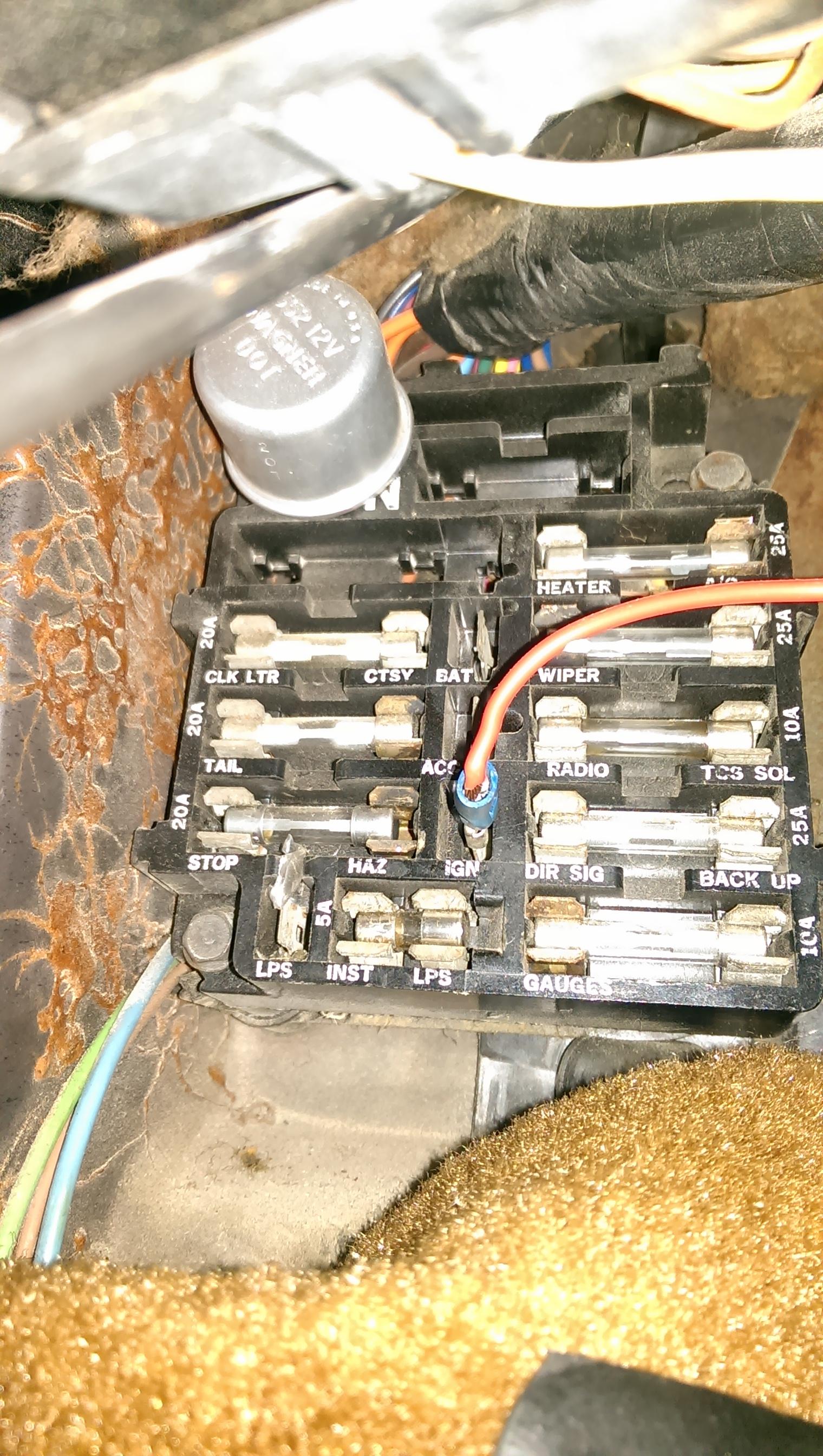 72-fuse-panel-b1975 corvette fuse panel.jpg