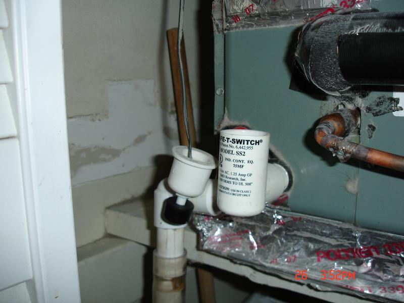 fc42d111-9cfd-4b2b-82ac-0719e1ca00a0_Float switch in drain..jpg