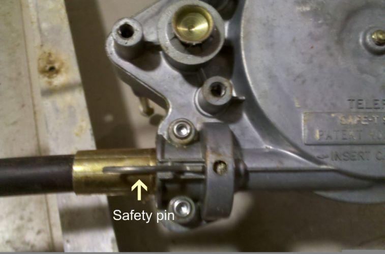 4090cda2-e974-4d08-a7ee-a7136755e080_steering_bezel.jpg
