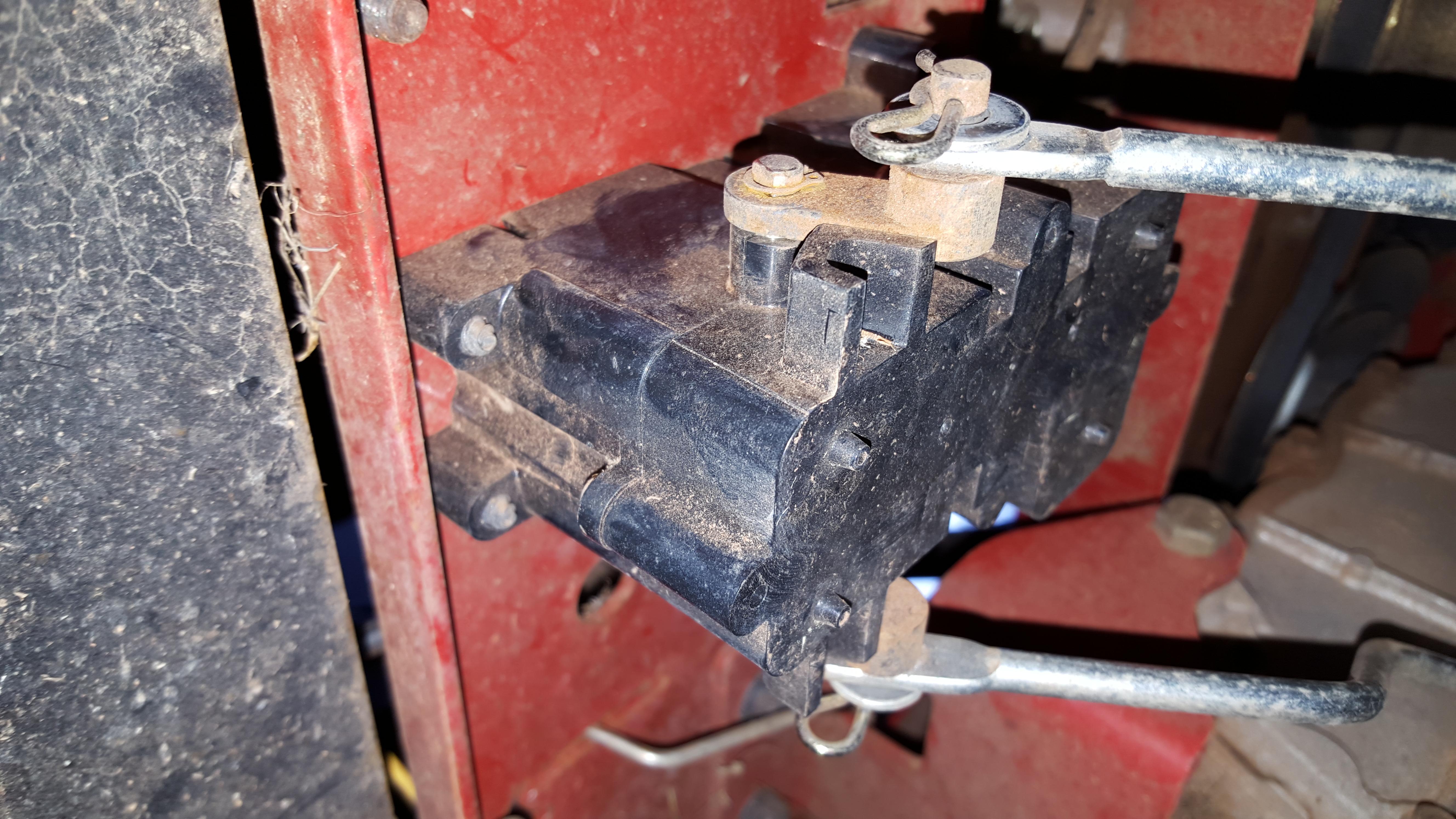 fd315982-0c3b-4f75-b9d1-31e1c20c4d7c_Toro electic brake actuater.jpg