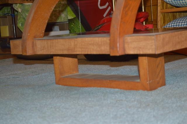 Coffee table bottom legs.JPG